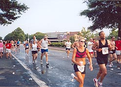 [photo, Annapolis Striders' 10-Mile Run, Rowe Blvd., Annapolis, Maryland]