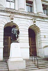 [photo, Cecilius Calvert statue, Clarence M. Mitchell, Jr., Courthouse, Baltimore, Maryland]